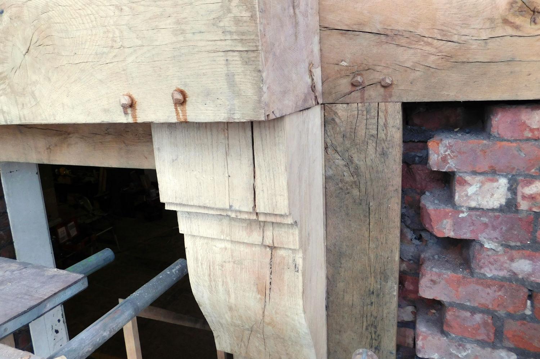 oak-pegs-secure-joints-in-oak-frame-racecourse-hotel-salford