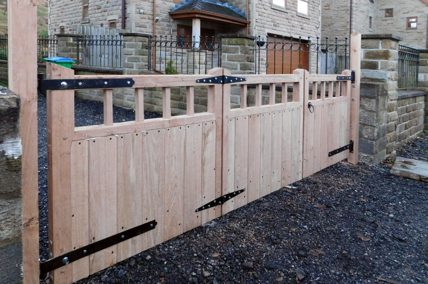 gates-hand-crafted-littleborough-sue-wilson-oak-carpentry-lancs