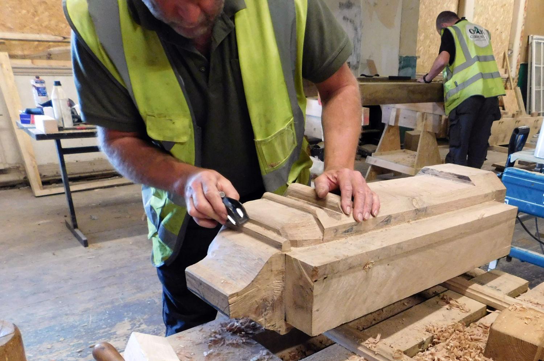 carving-oak-corbel-racecourse-hotel-salford