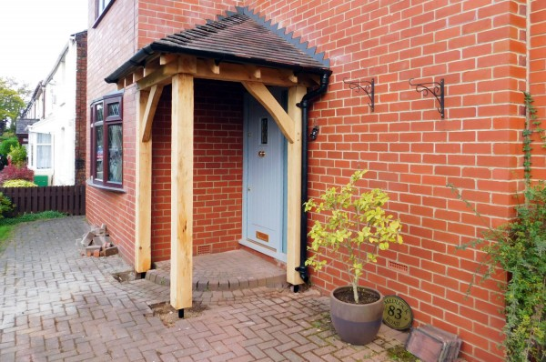 corner-porch-traditional-oak-frame-tiled-roof-stan-woodhouses