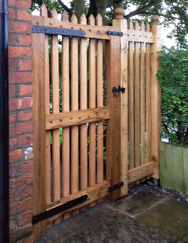 Oak gate with side panel and traditional ironmongery, for Rebecca at High Legh, Warrington